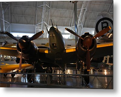 Udvar-hazy Center - Smithsonian National Air And Space Museum Annex - 121284 Metal Print by DC Photographer