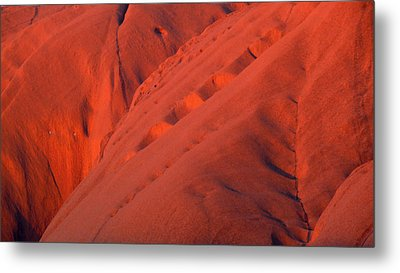 Metal Print featuring the photograph Uluru 1 by Evelyn Tambour