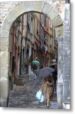 Umbrella Day Portovenere Italy Metal Print by Sally Ross