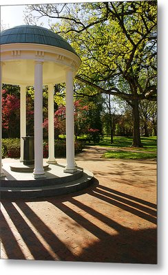 Unc-ch Old Well And Mccorkle Place Metal Print
