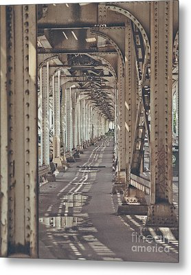 Under The L In Chicago Metal Print
