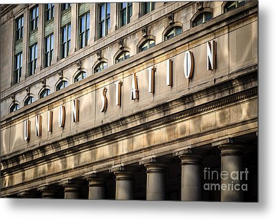 Union Station Chicago Sign And Building Metal Print by Paul Velgos