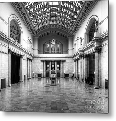 Union Station In Black And White Metal Print by Twenty Two North Photography
