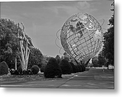 Unisphere In Corona Park Metal Print by Mike Martin