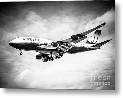 United Airlines Boeing 747 Airplane Black And White Metal Print