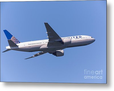 United Airlines Jet 5d29541 Metal Print by Wingsdomain Art and Photography