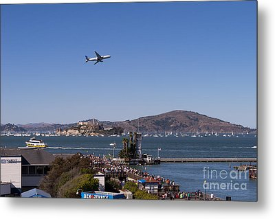 United Airlines Jet Over San Francisco Alcatraz Island Dsc1765 Metal Print by Wingsdomain Art and Photography