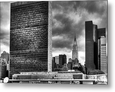 United Nations And Chrysler Building Metal Print by Dave Beckerman
