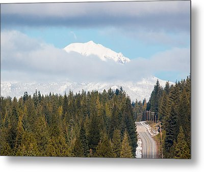 Metal Print featuring the photograph Up To The Mountain by Jan Davies