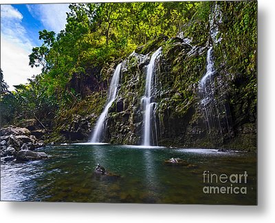 Upper Waikani Falls - The Stunningly Beautiful Three Bears Found In Maui. Metal Print by Jamie Pham