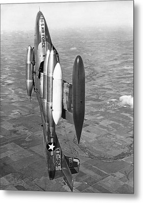 Usaf Jet Going Straight Up Metal Print by Underwood Archives