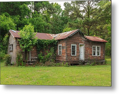 Metal Print featuring the photograph Vacant Rural Home by Patricia Schaefer