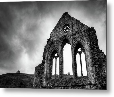 Valle Crucis Abbey Metal Print by Dave Bowman