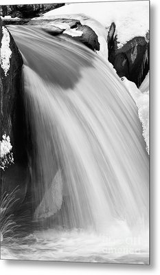 Valley Falls D30009153_bw Metal Print by Kevin Funk