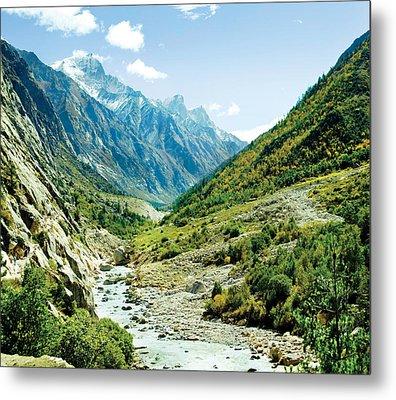 Valley Of River Ganga In Himalyas Mountain Metal Print by Raimond Klavins