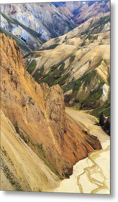 Valley Through Rhyolite Mountains Metal Print by Mart Smit