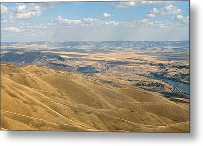 Metal Print featuring the photograph Valley View by Mark Greenberg