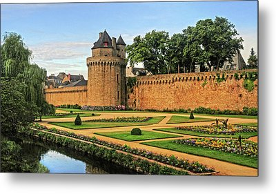 Metal Print featuring the photograph Vannes In Brittany France by Dave Mills