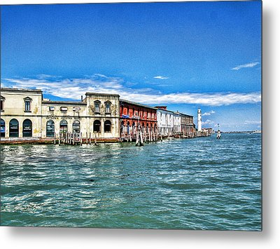 Metal Print featuring the photograph Venice By Sea by Oscar Alvarez Jr