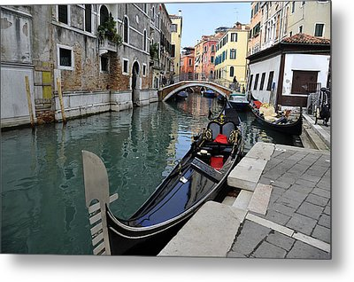 Metal Print featuring the photograph Venice Italy by John Jacquemain