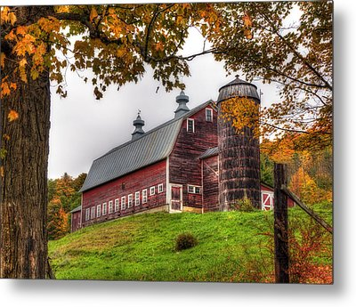 Vermont Country Barn In Autumn Metal Print by Joann Vitali