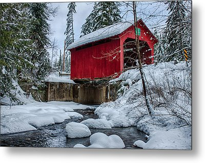 Vermonts Moseley Covered Bridge Metal Print by Jeff Folger