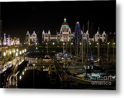 Victoria Harbour At Christmas Metal Print by Maria Janicki