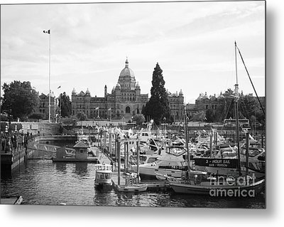 Victoria Harbour With Parliament Buildings - Black And White Metal Print by Carol Groenen