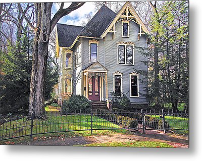 Victorian In The Sun Metal Print by Dorothy Walker