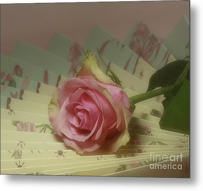 Victorian Rose Metal Print by Inspired Nature Photography Fine Art Photography