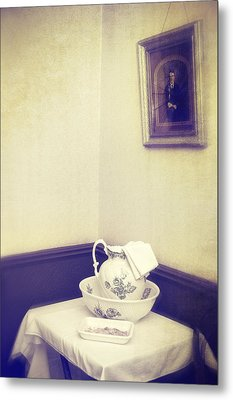 Victorian Wash Basin And Jug Metal Print by Amanda Elwell
