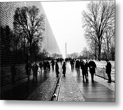 Metal Print featuring the photograph Vietnam Memorial by Michael Donahue