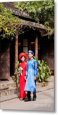 Vietnamese Wedding Couple 01 Metal Print by Rick Piper Photography