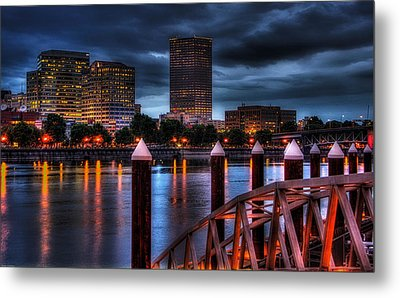 Portland-view From The East Bank Pdx Metal Print by Thom Zehrfeld