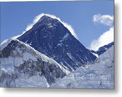 View Of Mount Everest From The Summit Of Kala Pathar In The Everest Region Of Nepal Metal Print by Robert Preston