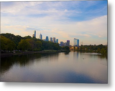 View Of Philadelphia From The Girard Avenue Bridge Metal Print by Bill Cannon