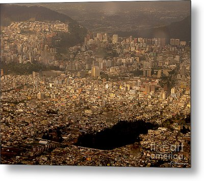 View Of Quito From The Teleferiqo Metal Print by Eleanor Abramson