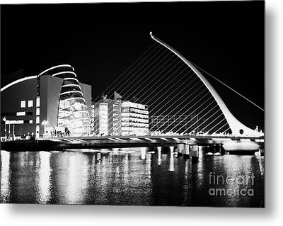 View Of The Samuel Beckett Bridge Over The River Liffey And The Convention Centre Dublin At Night Du Metal Print by Joe Fox