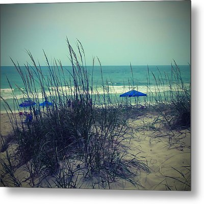 View Thru The Beach Grass Metal Print by Cathy Lindsey