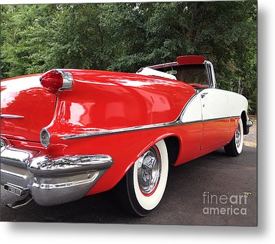 Vintage American Car - Red And White 1955 Oldsmobile Convertible Classic Car Metal Print by Kathy Fornal