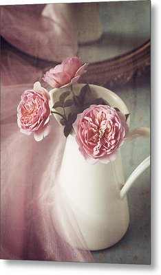 Vintage Pink Metal Print by Amy Weiss