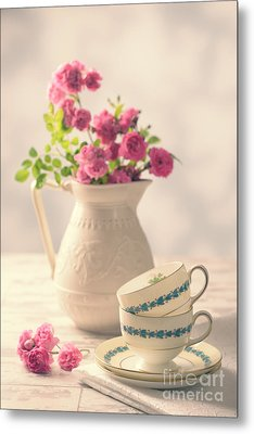 Vintage Teacups With Roses Metal Print