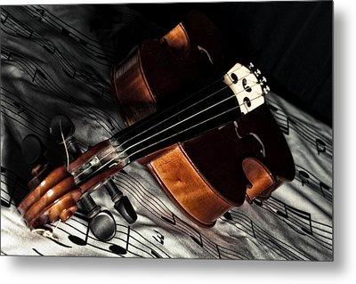 Vintage Violin Metal Print by Mike Santis