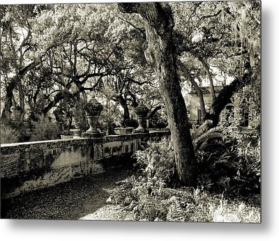 Vizcaya Garden Courtyard Metal Print by Maria Huntley