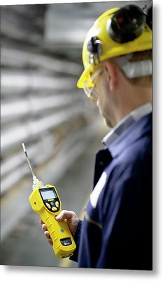 Volatile Organic Compounds Monitoring Metal Print by Crown Copyright/health & Safety Laboratory Science Photo Library