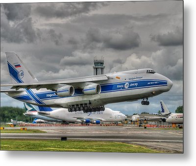 Metal Print featuring the photograph Volga-dnepr An124  by Jeff Cook