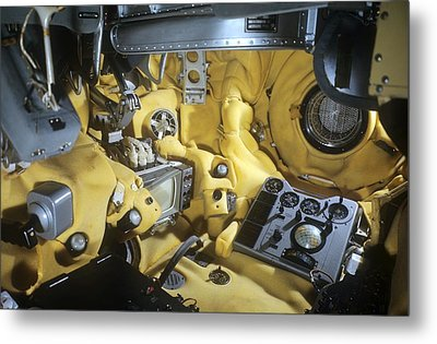 Voskhod 1 Spacecraft Cabin Metal Print by Science Photo Library