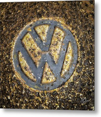 Vw - Volkswagon Hubcap Metal Print