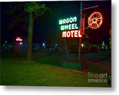 Metal Print featuring the photograph Wagon Wheel Motel by Utopia Concepts