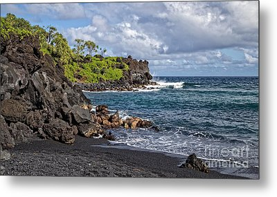 Waianapanapa State Park's Black Sand Beach Maui Hawaii Metal Print by Edward Fielding